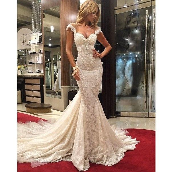 Beautiful Ivory Lace Mermaid Wedding Dresses Lace Applique On Satin Vestido  De Novia Sirena Bridal Gown aafec9587cf8